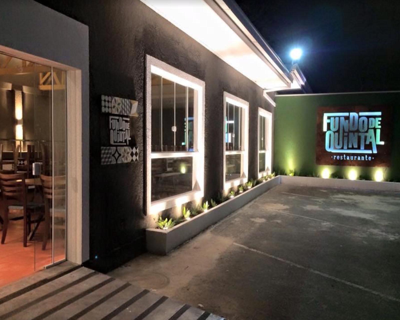 Fundo de Quintal - Restaurante - São José dos Pinhais - PR